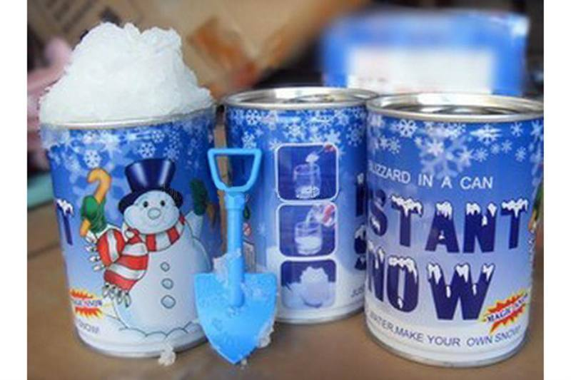 Holiday Toys Instantly Make Romantic Snowflakes 24 cans per box No.TA245765